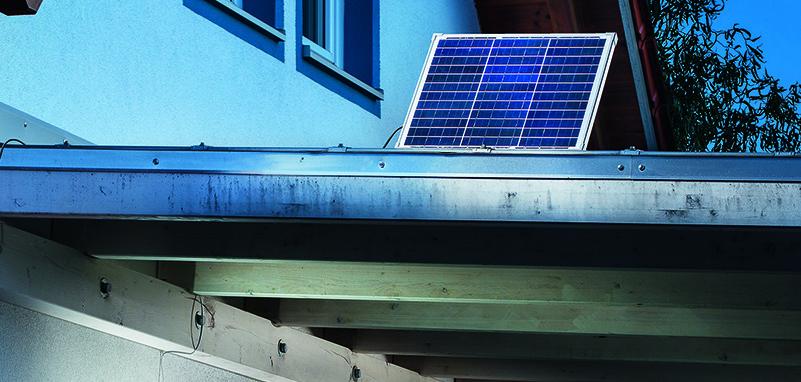Solarmodul am Dach