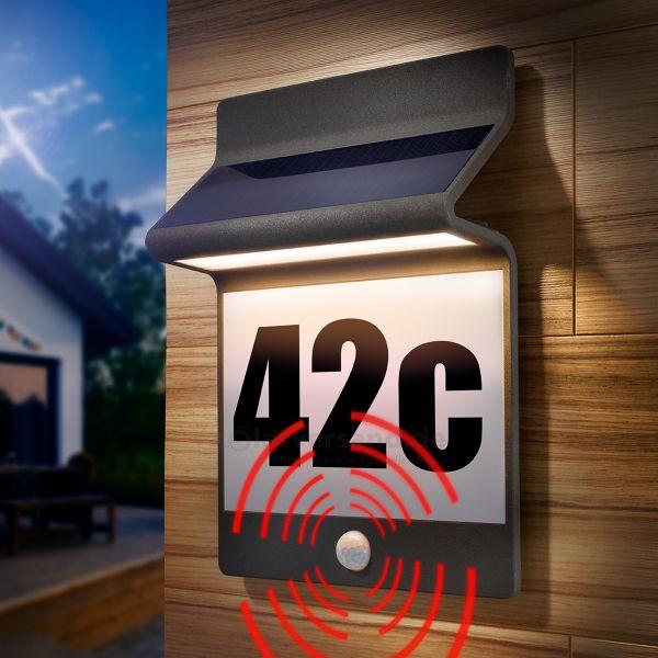 Solar PIR Hausnummernleuchte aus Aluminium in schwarz